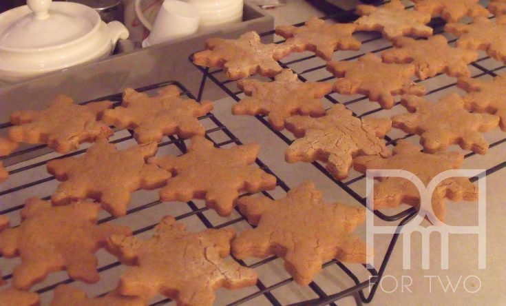 gingerbread snowflakes cookies
