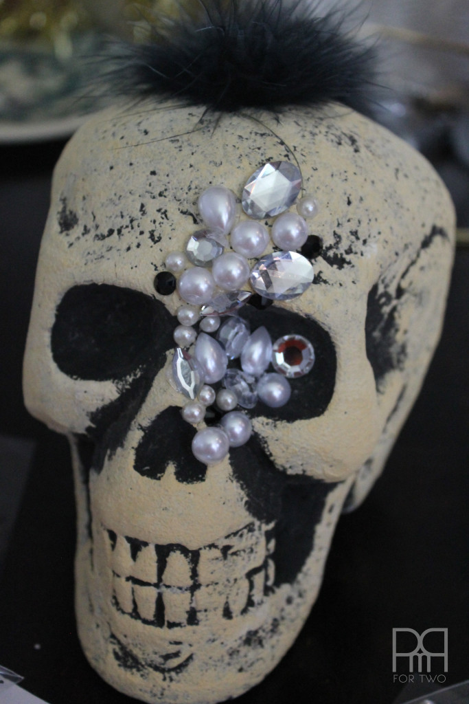 Make your own glam DIY Jewelled Skull for under 6$