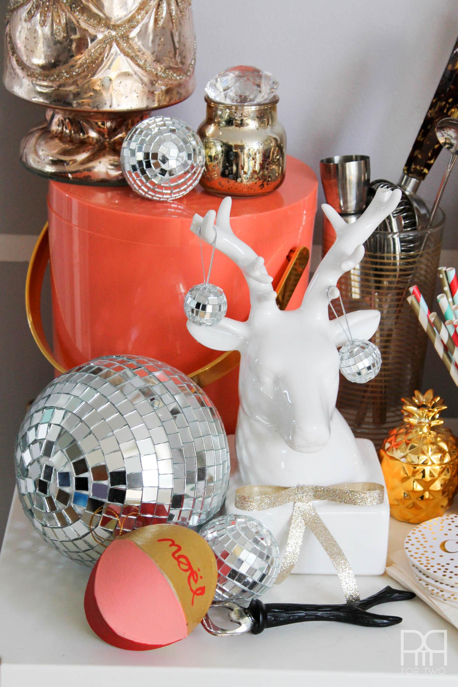DIY Starburst Wreath living room deer