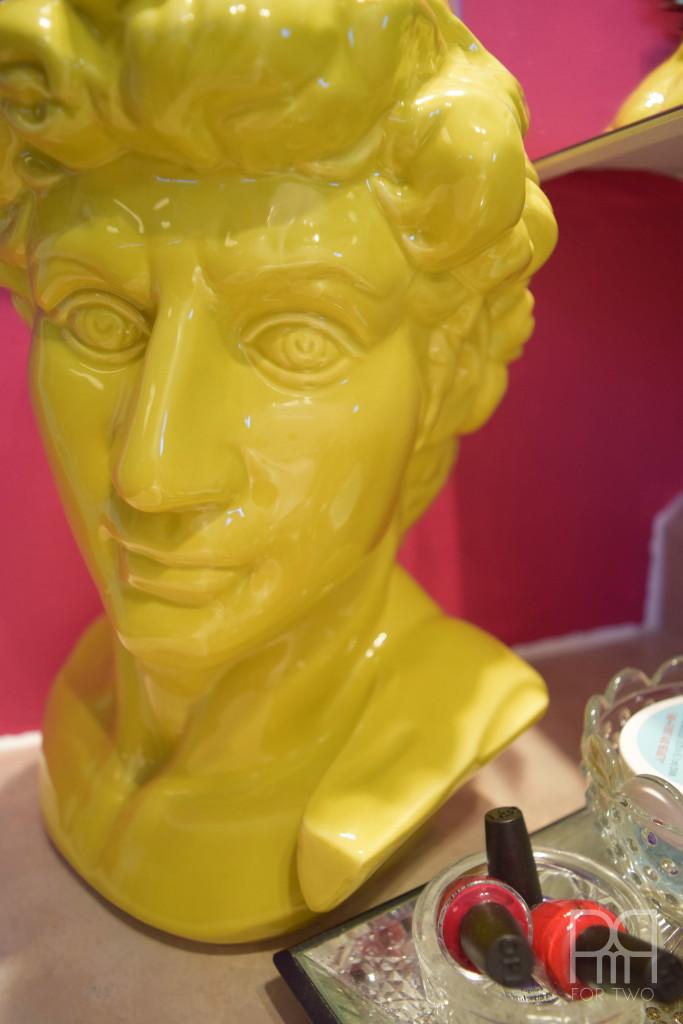 bathroom yellow bust