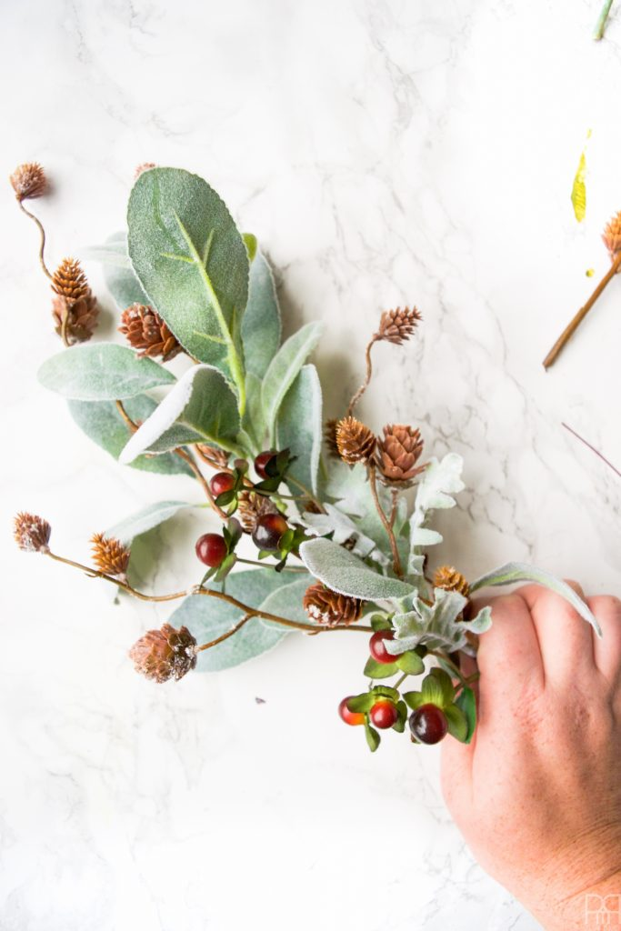 diy-minty-cool-holiday-wreath berries