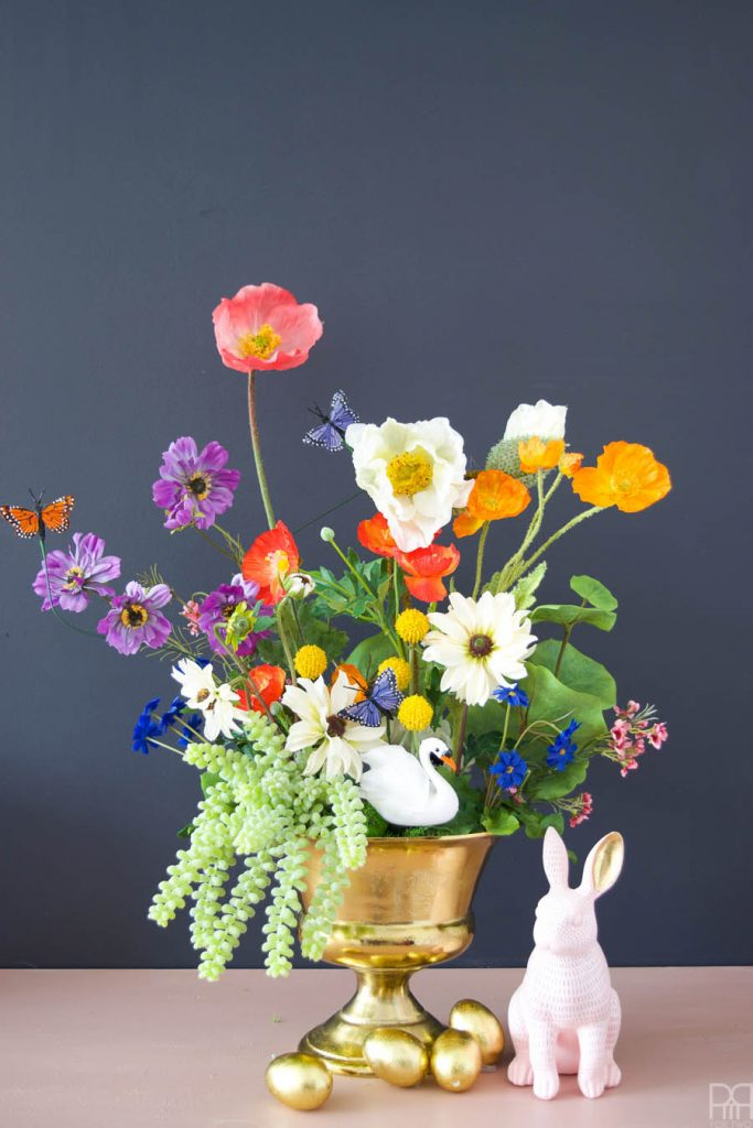 Using silk flowers from @Afloral, I've created the most stunning floral easter basket centrepiece worthy of Martha Stewart's easter brunch tablescape. Come see how I did it using non-traditional buds & stems.