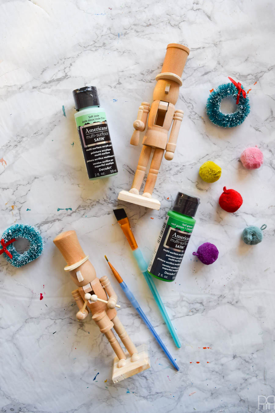 The holidays aren't completed with seasonal decor, and my contribution to this year's scene are some Colourful Painted Nutcrackers that I made using DecoArt's satin enamel paints. Come take a look!