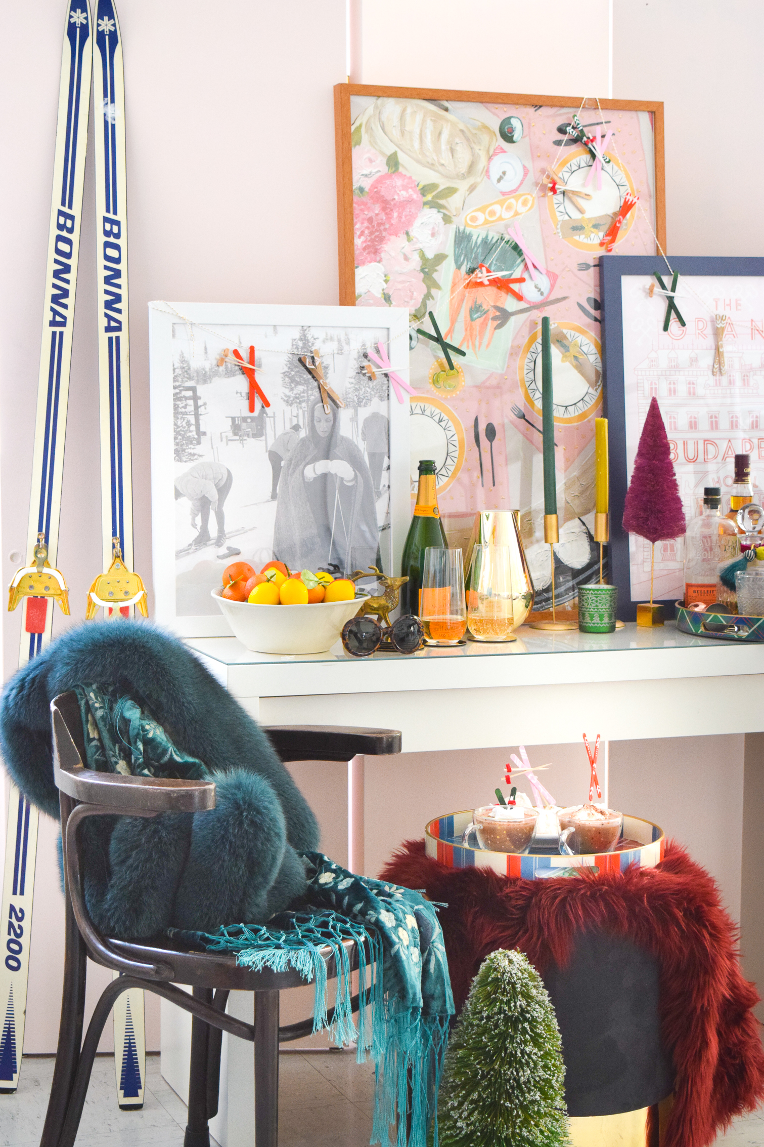 What do you do in the middle of winter? Probably lots of outdoor sports and activities right? I am the chalet and après ski kinda girl. Can you picture me lounging in a beautiful lodge near the fire surrounded by furs and cognacs? Good, me too. With all this cold weather I've had the itch to put together a bar scene worthy of my glam après ski bar dreams, and you're all invited.