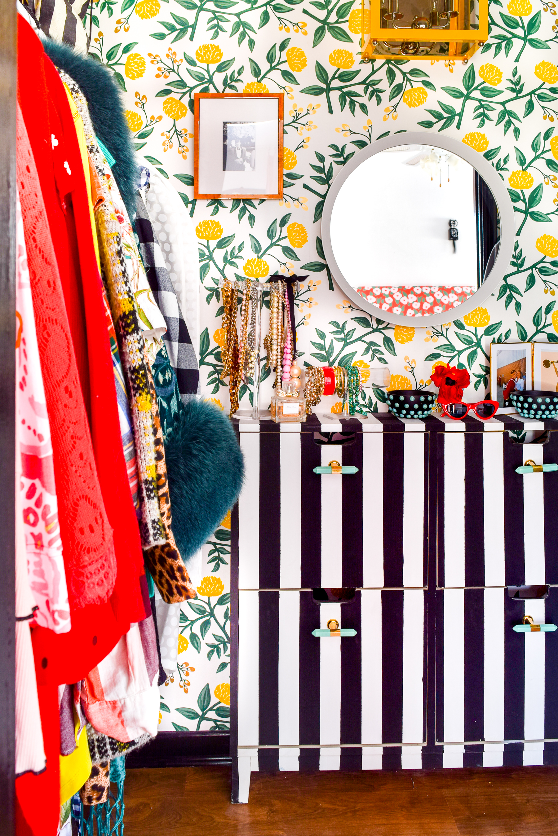 A Floral Glam Master Closet is something we all need, especially when it comes with gold shelf brackets from Crates & Pallet that look oh-so-chic.