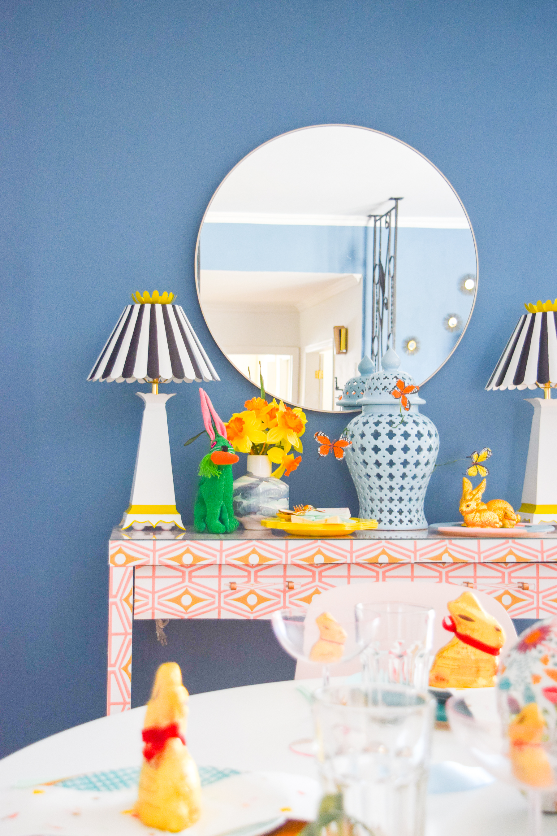 A bold & colourful easter tablescape is exactly what you need to kick start spring (in case she isn't already in bloom), and display all your chocolate too!