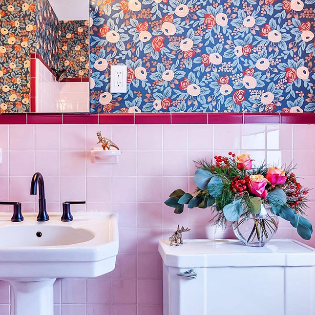 Rifle Paper Co. Wallpaper is the stuff interior decor dreams are made of, and with all the inspo rolling around I've pulled my fave for you!