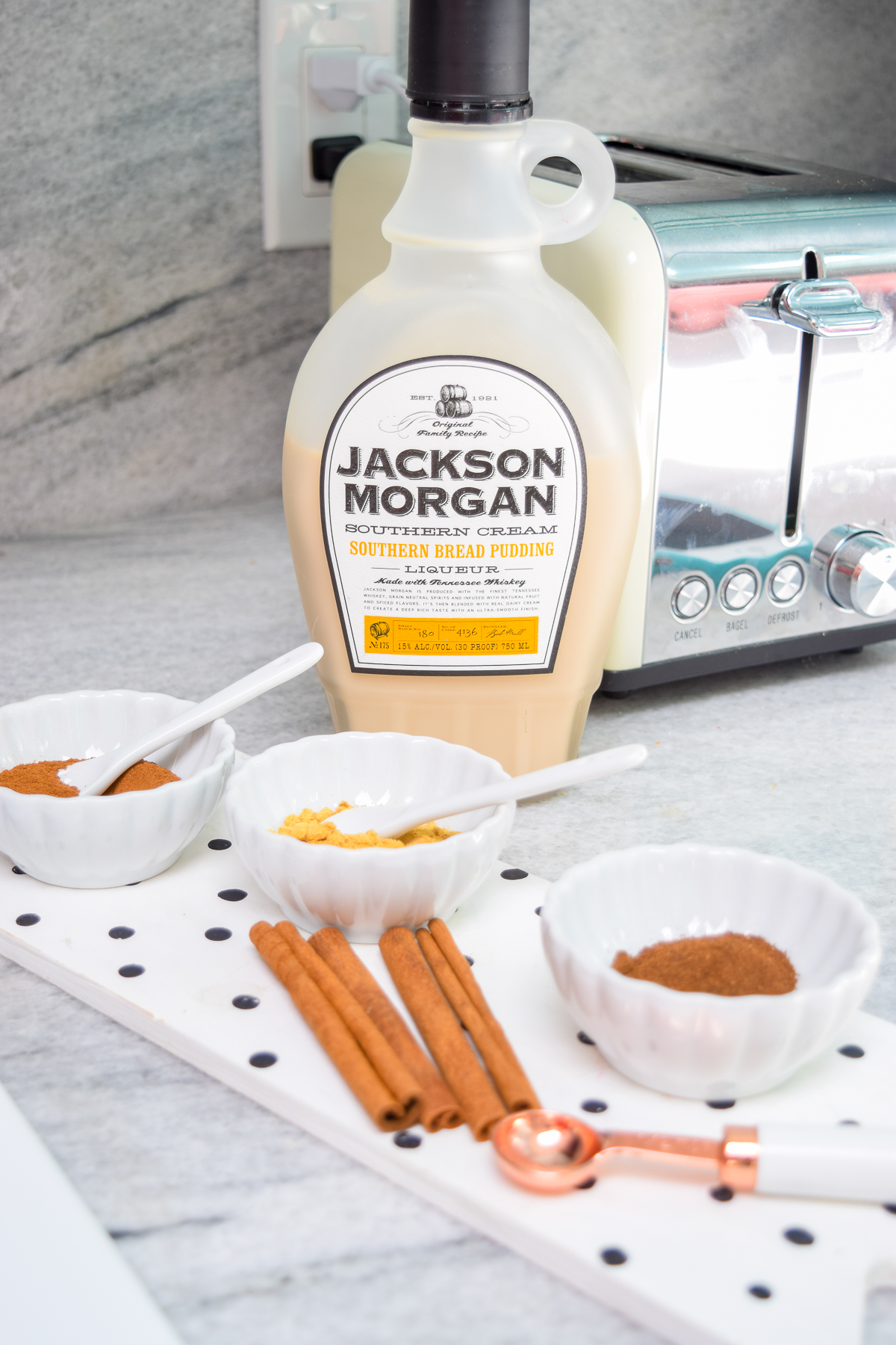 Pumpkin Spice Pudding Shots for desert, with a toasted marshmallow topping are super easy to make! Come grab the recipe & my secret ingredient. Psssst! It's Jackson Morgan's Southern Bread Pudding Whiskey Cream