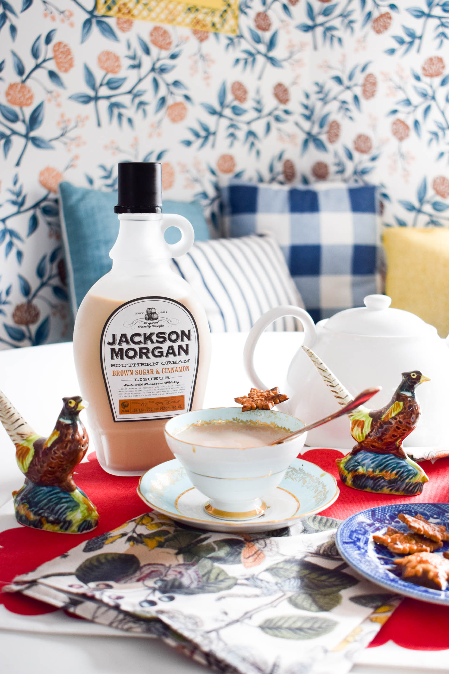 whiskey and tea are the combo you need to incorporate into your hosting arsenal! With Jackson Morgan's Southern Cream it's even easier, all you need are guests.
