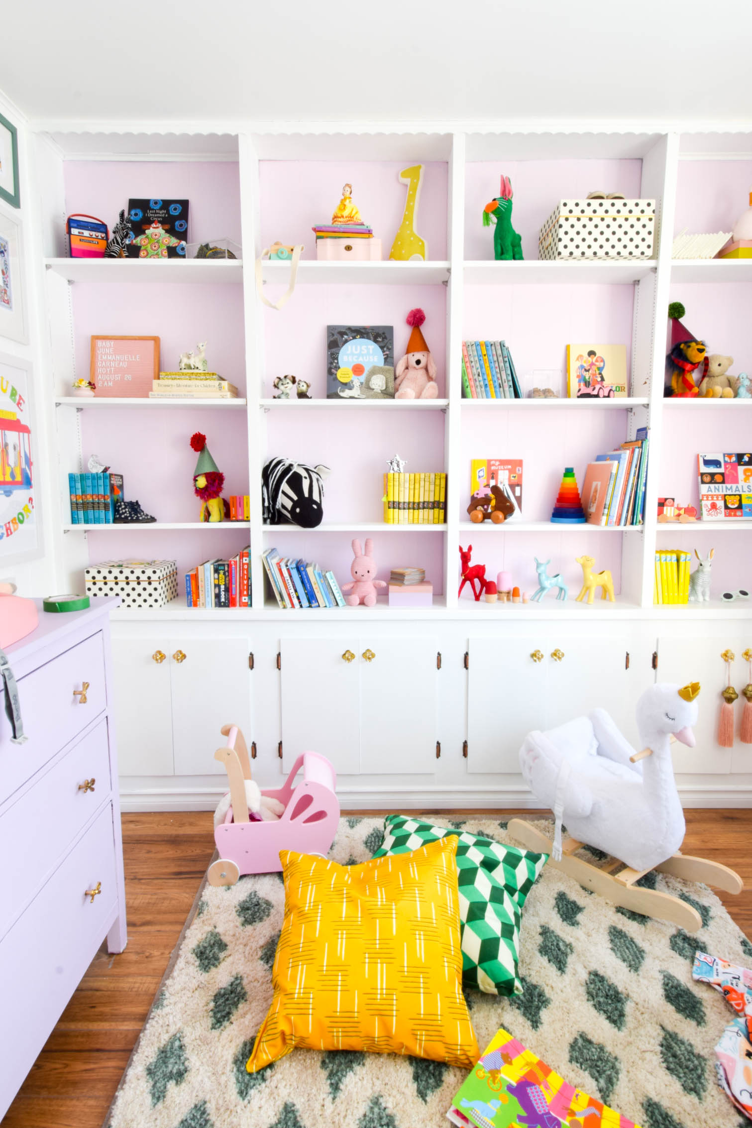 We love a rainbow nursery. From literal rainbows, to every single colour IN the rainbow. Come see how to put it all together for your little ones.