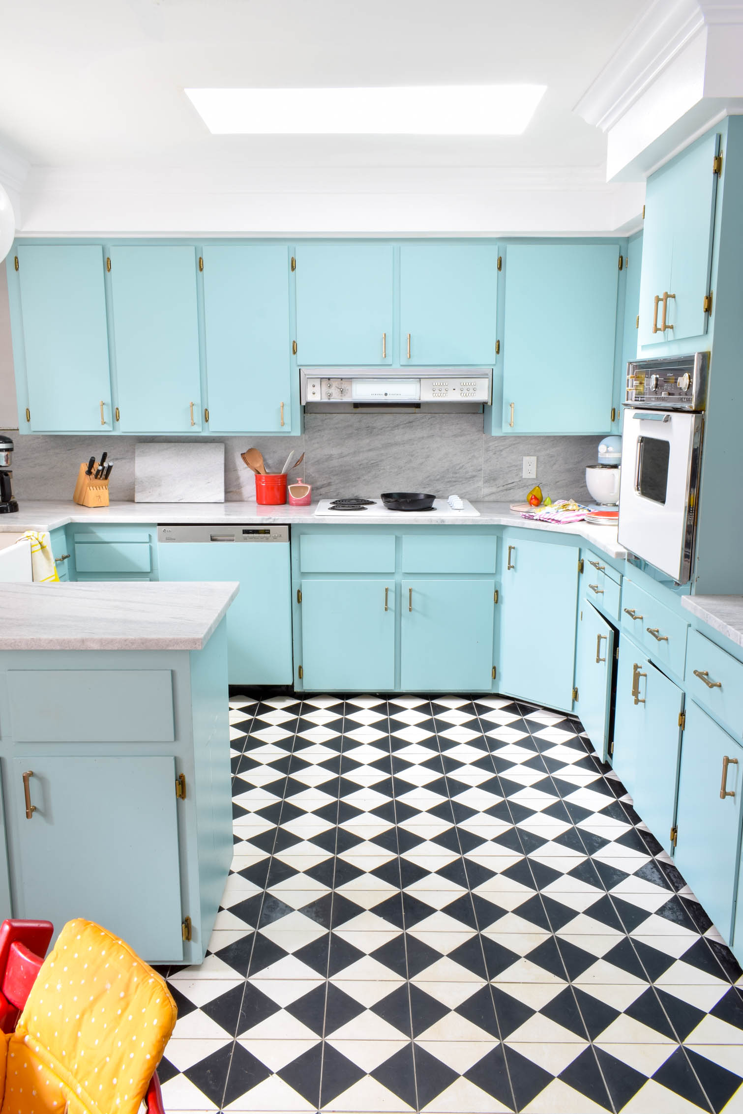 Our kitchen renovation update one year later. How is everything holding up? what would we have done differently? anything broken? I spill the beans on all our decisions, and show you how things are really holding up.
