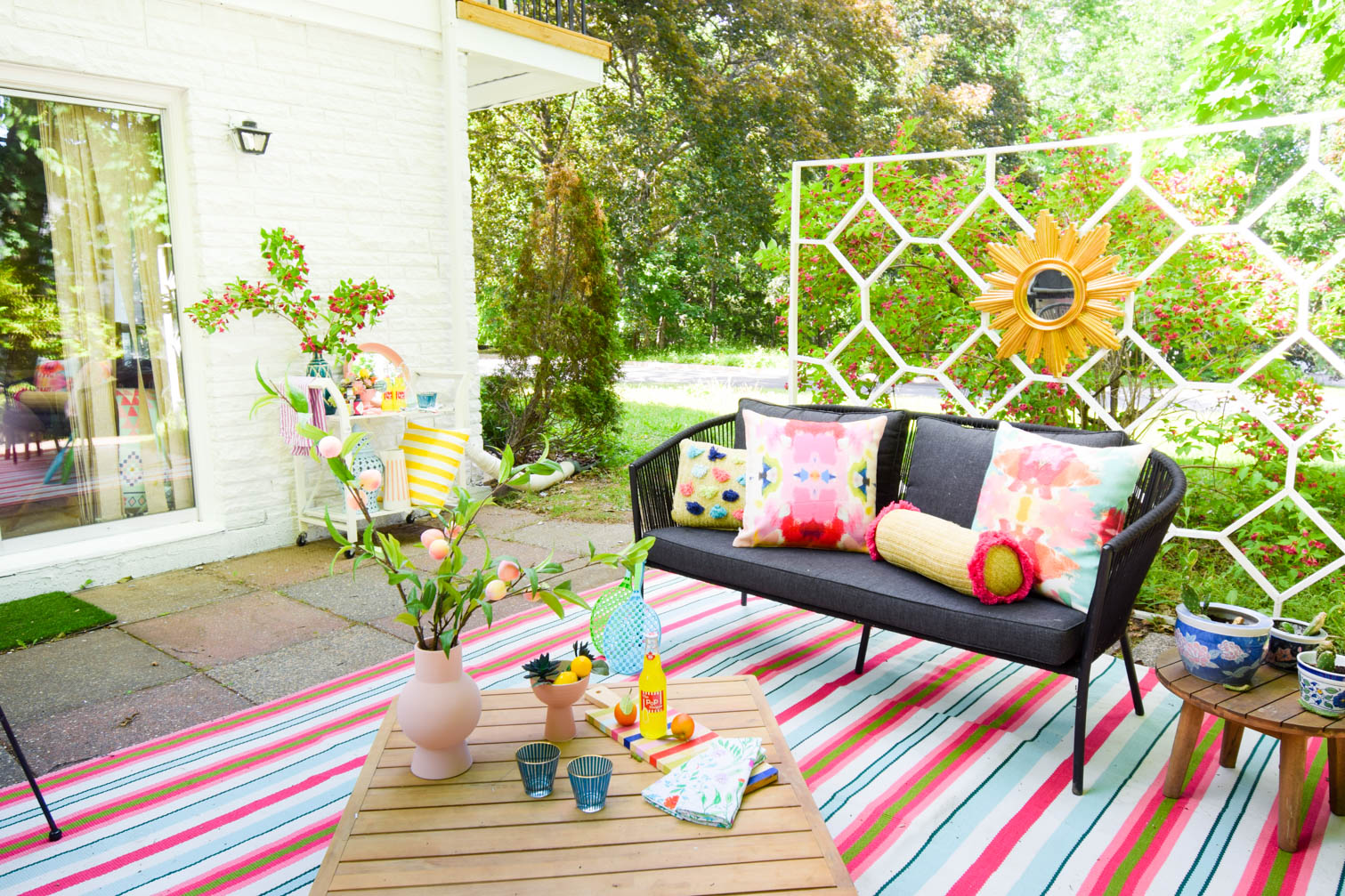 Looking for cohesive and polished ways to bring the color? I've got you covered when it comes to easy colourful patio ideas this summer. Everything from color palettes to sources, neutrals and more!