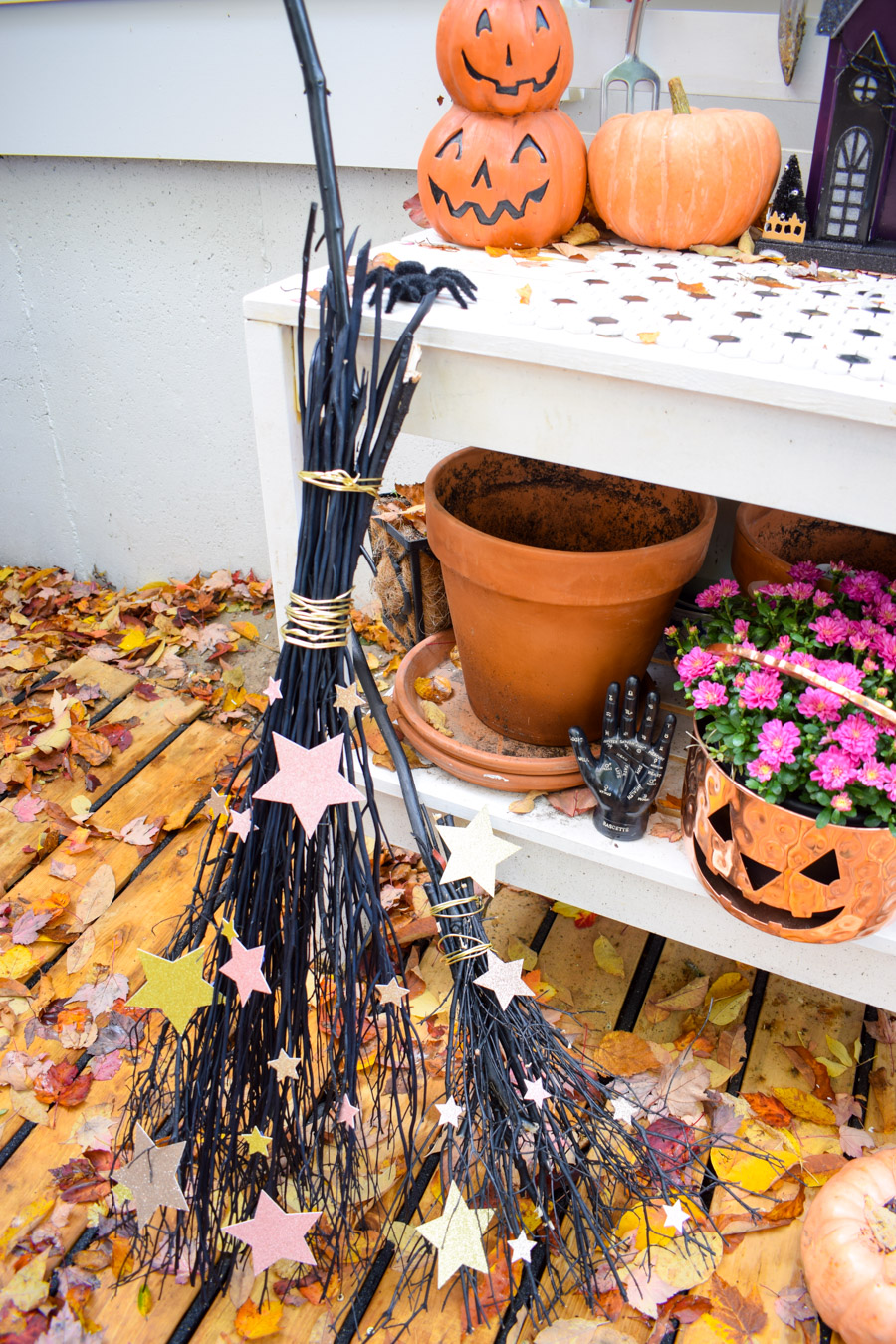 Make a DIY witch broom for everyone in your coven, using the PowerCut snips from Fiskars, and a little magic.