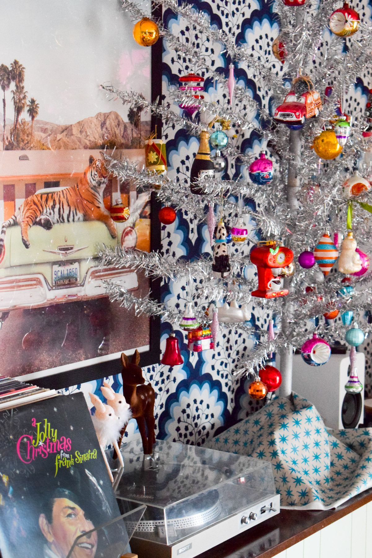 Got a retro tinsel Christmas tree? Come see how I decorated mine using vintage and collected glass ornaments.