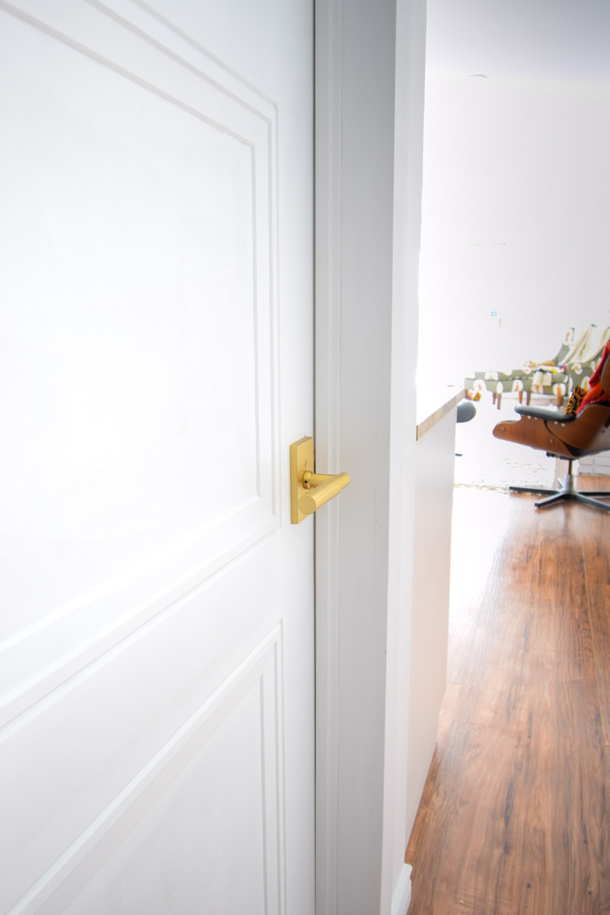 Picking interior door handles - things to consider, things to avoid, and why we chose Emtek for ours. Read on through!